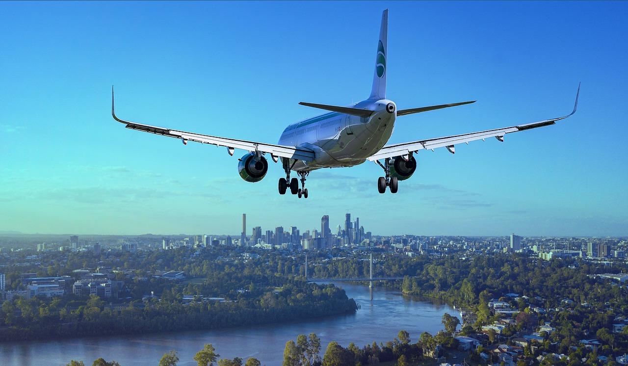 aircraft-3702676_1280